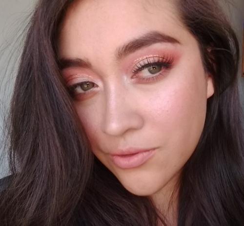 Maquillaje Navideño: Ahumado sutil en tonosclaros
