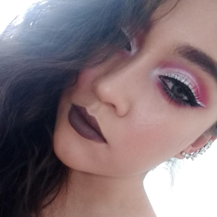 Maquillaje navideño: Rosa y plata con dobledelineado