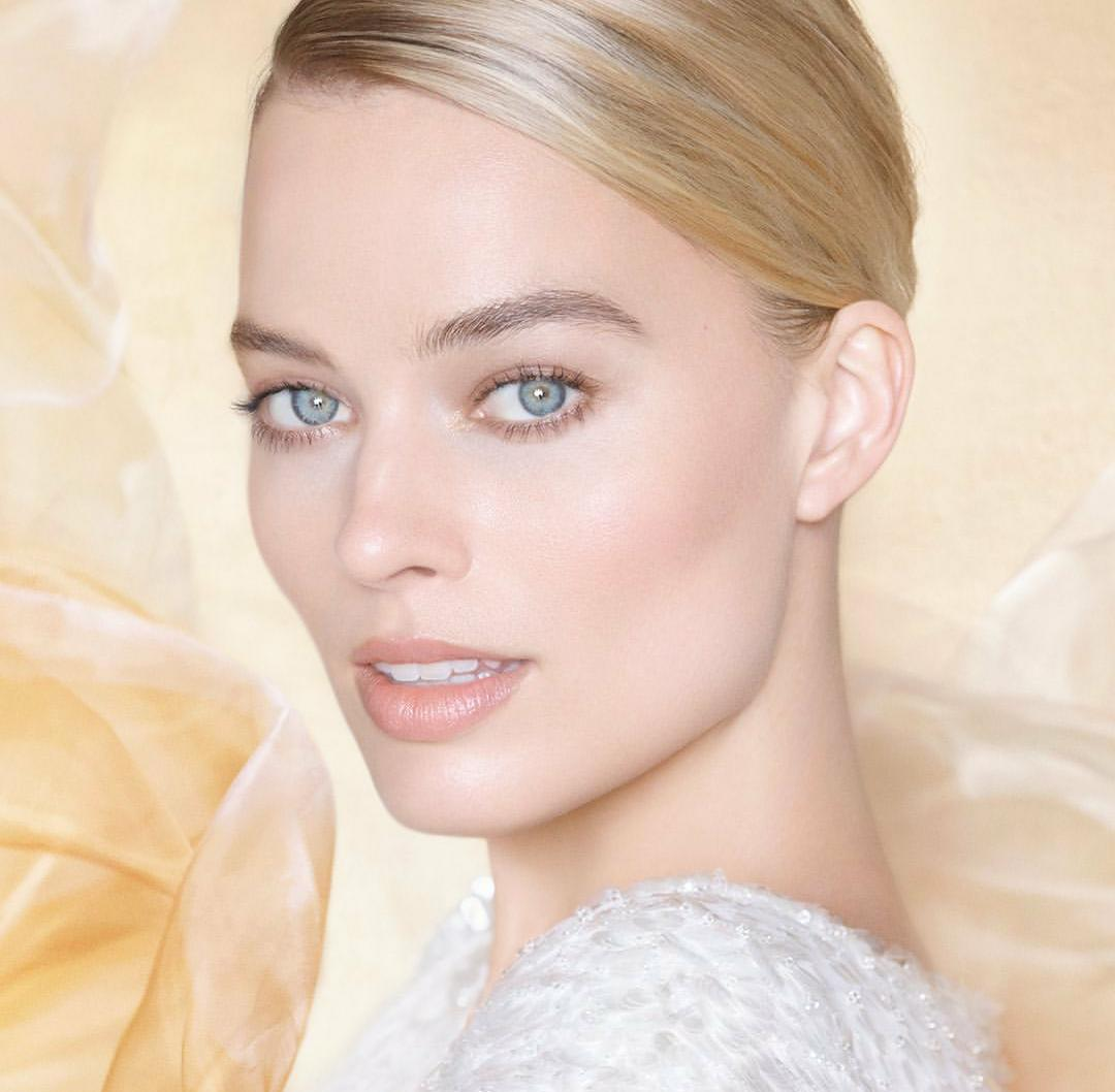 Margot Robbie x Chanel