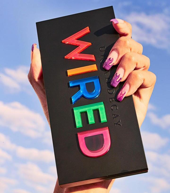 Si amas los colores llamativos Wired Collection de Urban Decay es justo parati