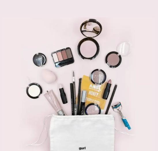 Gurl: Las cajitas de maquillaje inspiradas en tus vloggersfavoritas
